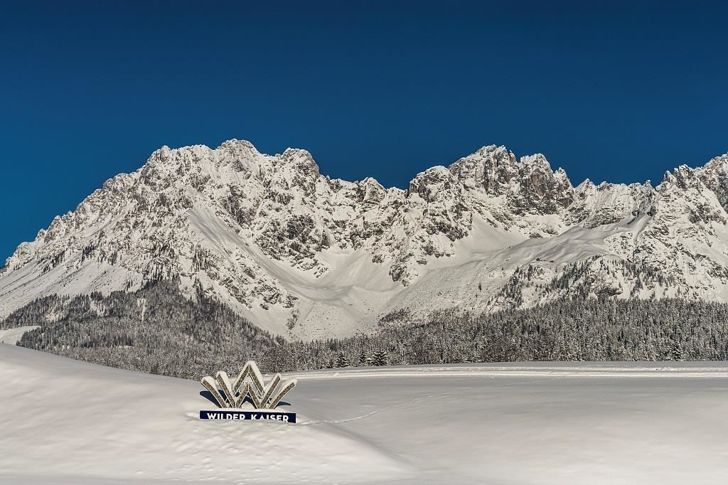 web-wilder-kaiser-panorama-winter-foto-von-felbert